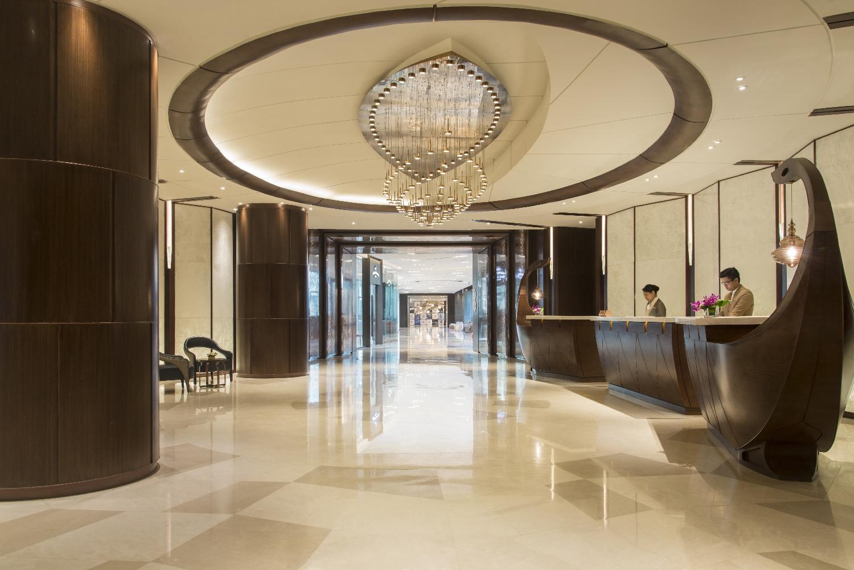 Garden-Wing-Lobby